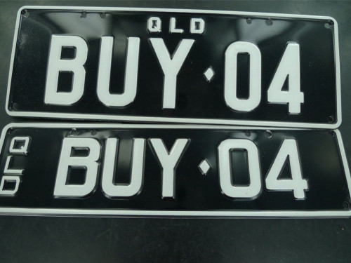 QUEENSLAND REGO NUMBER PLATES    BUY 04    NEVER FITTED, NEAR MINT, FRONT & BACK