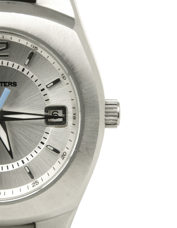 What's the Difference Between Waterproof and Water Resistant Watches?