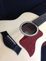Taylor preowned 12 String 556e