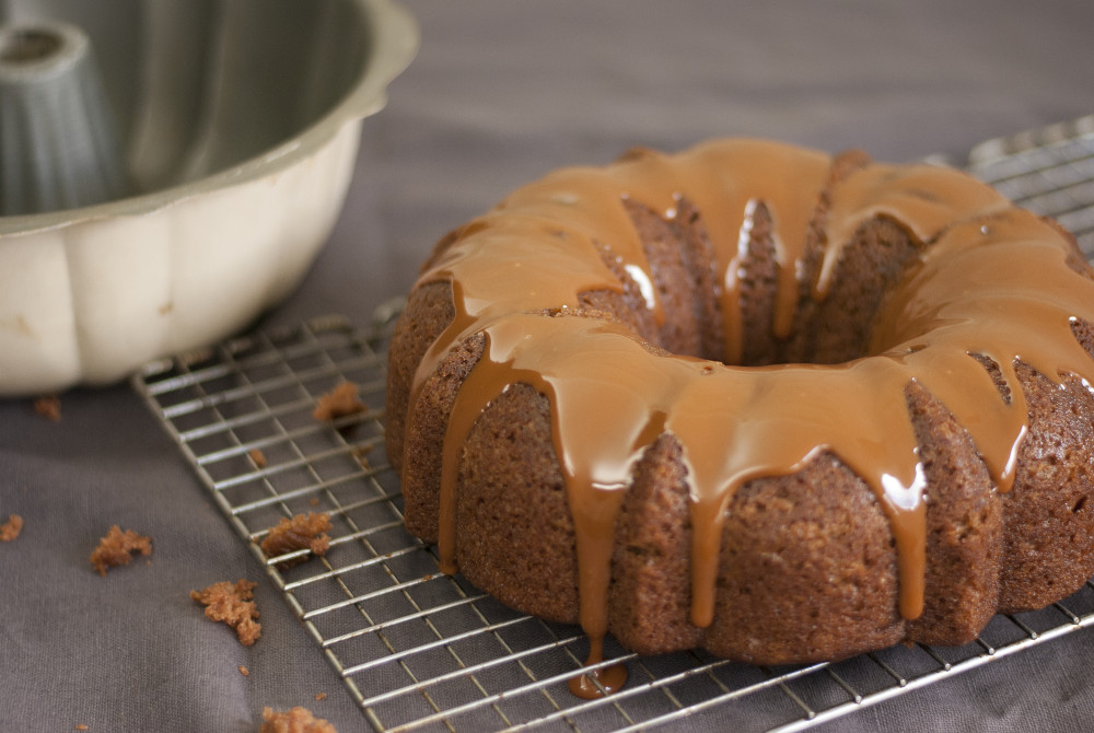 applesauce-cake-with-caramel-1-web.jpg