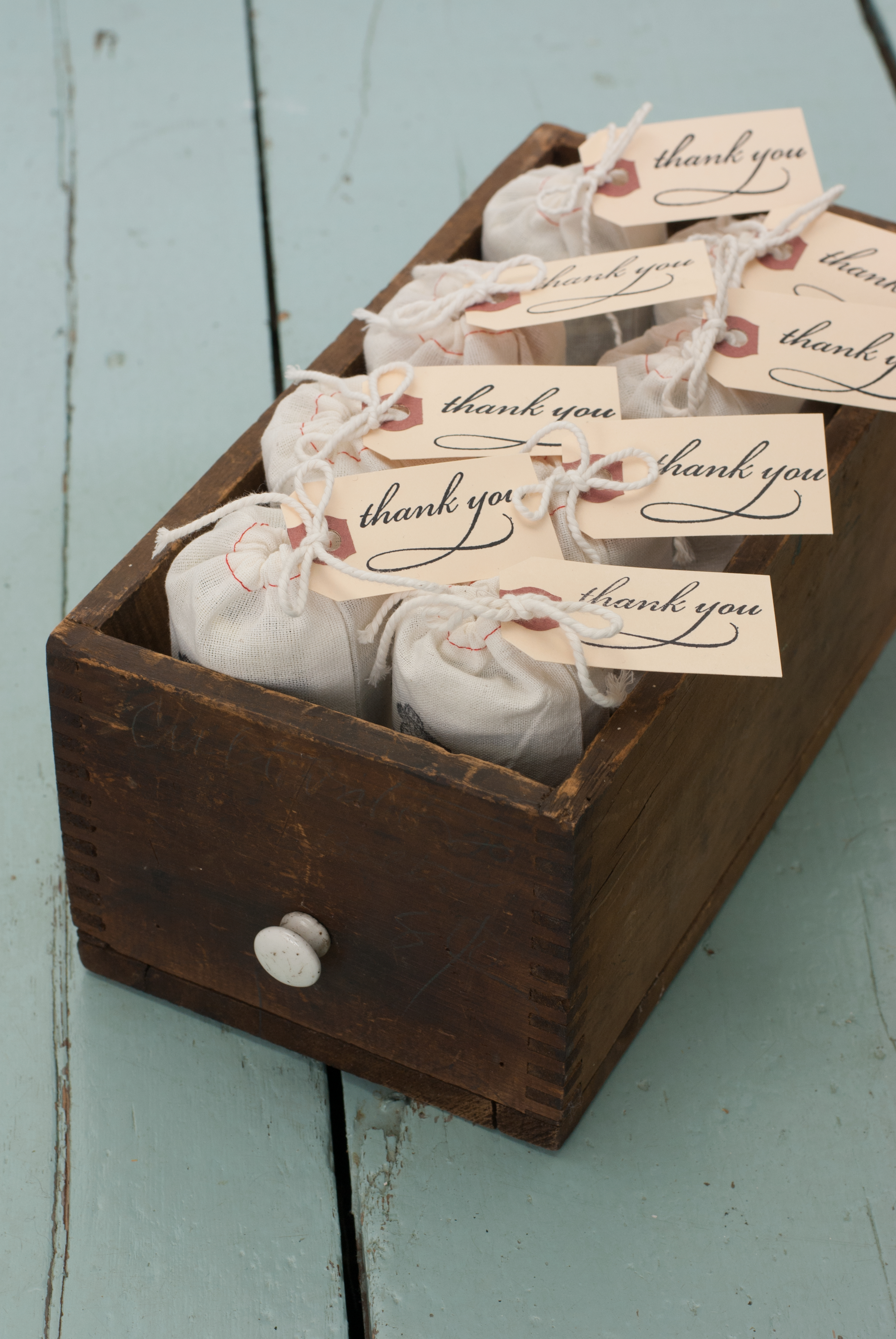 wedding-favors-in-box2.jpg