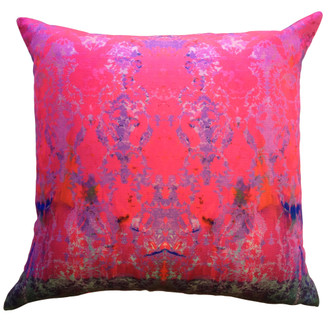 Cushion - Color Crash Magenta Damask