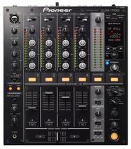 1 x Pioneer DJM-700 Mixer