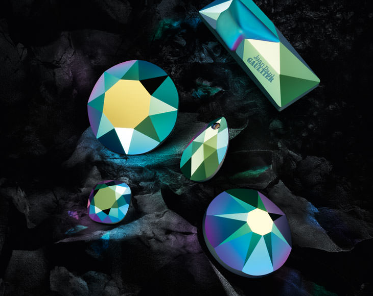 new-swarovski-crystal-colors-and-effects-fall-winter-2016-17-innovations-crystal-scarabaeus-green.png
