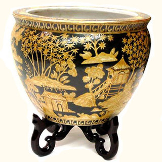 Chinese porcelain fishbowl in Black and Gold