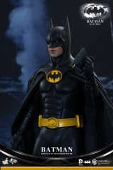 Hot Toys MMS293 Batman Returns:1/6th scale Batman Collectible Figure