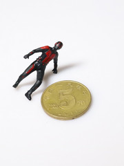 Custom 1:1 scale 2.8 cm Ant-Man Posed Character Figure