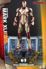 Hot Toys QS008 Iron Man 3 1/4th scale Mark XLII Collectible Figure (Deluxe Version)