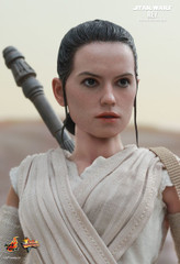 HOT TOYS MMS336 STAR WARS: THE FORCE AWAKENS REY 1/6TH SCALE COLLECTIBLE FIGURE