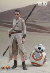 HOT TOYS STAR WARS: THE FORCE AWAKENS REY AND BB-8 1/6TH SCALE COLLECTIBLE SET