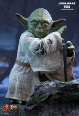 Hot Toys MMS369  Star Wars: Episode V Empire Strikes Back 1/6th scale Yoda Collectible Figure