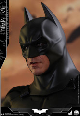 Hot Toys  QS009 Batman 1/4th scale Collectible Figure Batman Begins