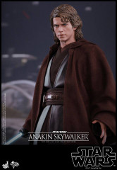 Hot Toys MMS437 Star War Episode III: Revenge of the Sith 1/6th scale Anakin Skywalker Collectible Figure