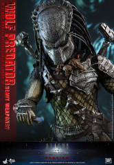 Hot Toys MMS443 Alien vs. Predator: Requiem 1/6th scale Wolf Predator (Heavy Weaponry) Collectible Figure
