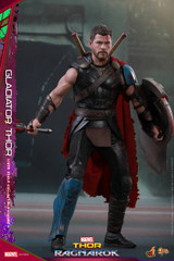 Hot Toys MMS445 Thor : Ragnarok 1/6th scale Gladiator Thor (Deluxe Version) Collectible Figure