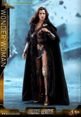 Hot Toys Wonder Woman MMS451 Justice League 1/6th scale (Deluxe Version) Collectible Figure