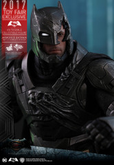 Hot Toys Armored Batman MMS417 BvS 1/6th scale (Battle Damaged Version) Collectible Figure 2017 Toy Fair Exclusive