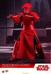 Hot Toys MMS453 Praetorian Guard Star Wars: The Last Jedi – 1/6th scale (With Heavy Blade) Collectible Figure