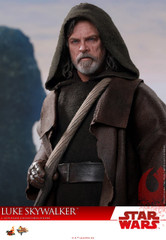 Hot Toys MMS457 Luke Skywalker Star Wars: The Last Jedi 1/6th scale Collectible Figure