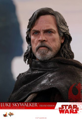 Hot Toys MMS458 Luke Skywalker (Deluxe Version) Star Wars: The Last Jedi 1/6th scale Collectible Figure