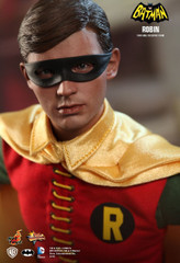 Hot Toys – MMS219 – Batman (1966): 1/6th scale Robin Collectible Figure