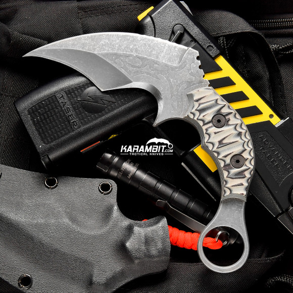 James Coogler's Black and White Reaper Karambit (JCooglerBlackWhiteReaperKbit)
