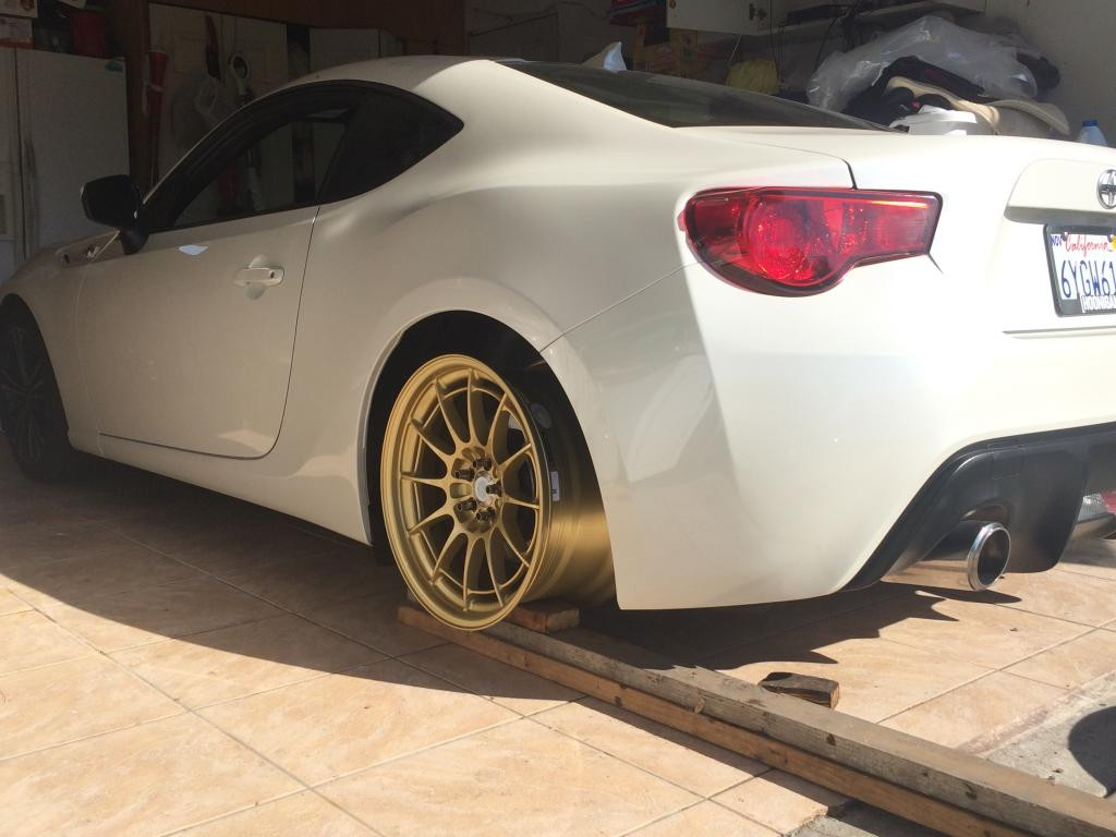 "18x9.5"" +40 5x100 test fit on FR-S"