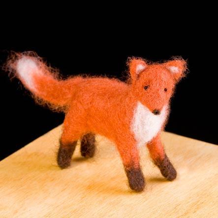 Woolpets Red Fox Needle Felting Kit - Intermediate