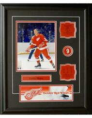 GORDIE HOWE 16X20 FRAME - DETROIT RED WINGS