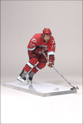 ERIC STAAL MCFARLANE FIGURE SERIES 15 CAROLINA HURRICANES HOME JERSEY (RED)