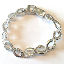 Infinity Fashion Bracelet with Magnetic Clasp
