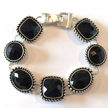Black Facets Fashion Bracelet with Magnetic Clasp