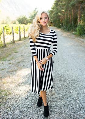 Mommy Falling for Stripes Dress Black