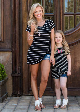 Mommy Knot So Simple Stripe Top Black