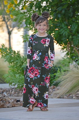 Girls In My Dreams Floral  Pocket Dress Olive
