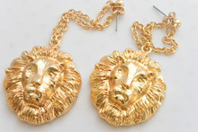 Lions Head Earrings Gold Tone