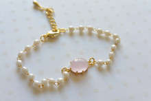Ball and Link Pearl Bracelet Pink