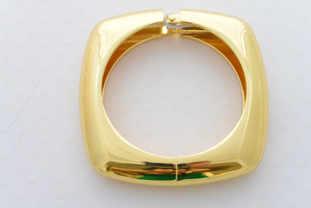 Egyptian High Polish Gold Bangle