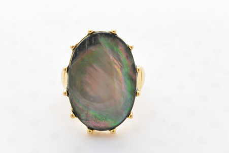 Mother of Pearl Ring in Black