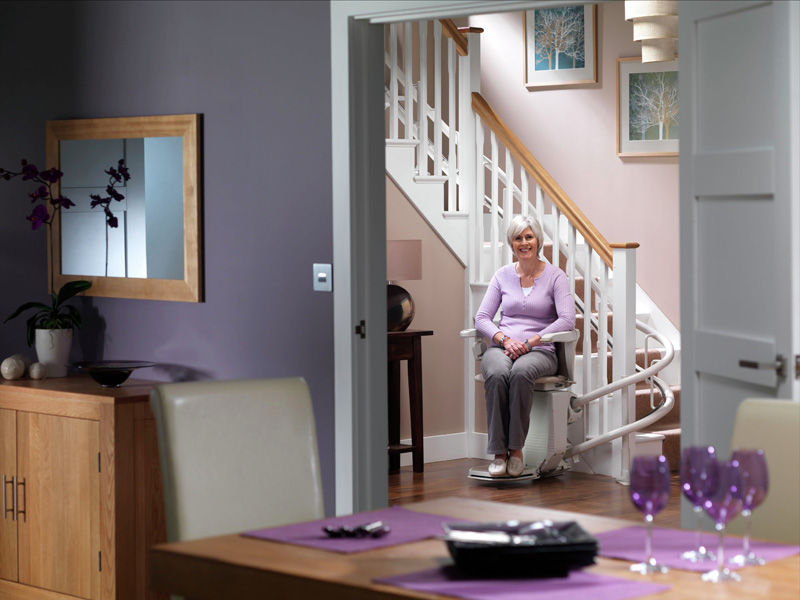 stairlifts-stannah-starla-260-curved-1-1.jpg