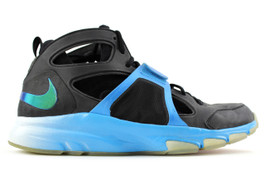 NIKE ZOOM HUARACHE TRAINER TR MID PLAYSTATION SAMPLE (SIZE 10)