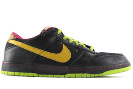 NIKE DUNK LOW PREMIUM SB SPACE TIGER (SIZE 11)