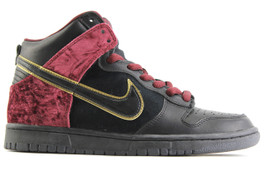 NIKE DUNK HIGH PREMIUM SB BLOODY SUNDAY (SIZE 8.5)