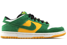 NIKE DUNK LOW PREMIUM SB BUCK (SIZE 8)