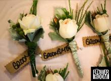yvette buttonholes