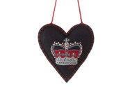 Crown lavender heart, black wool, hand-embroidered