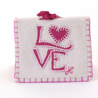 Love needle case, cream and pink