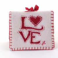 Love needle case, cream and red
