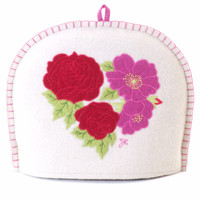 Pink and red roses tea cosy, cream wool, hand-embroidered