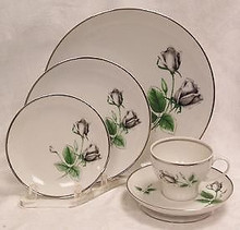 Stonegate / Heritage Midnight Rose 5 Piece Place Setting